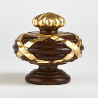 Ribbon Finial