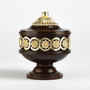 Harewood finial, mahogany and gilt